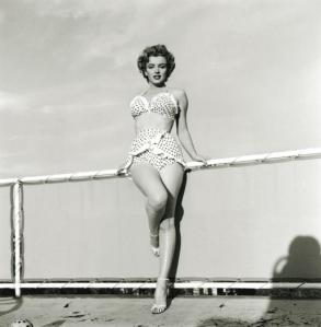 http://curiousphotos.blogspot.co.uk/2010/07/retro-marilyn-monroe-in-swimsuit.html